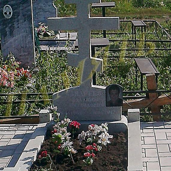 Памятник из гранита